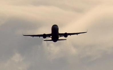 Desviados cuatro vuelos por las rachas de viento en Loiu