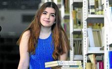 Andrea Izquierdo: «Abrí mi canal de YouTube para compartir con el mundo mi pasión por la lectura»