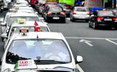 Varios encapuchados atacan con bates y un espray de pimienta a un taxista en Berango