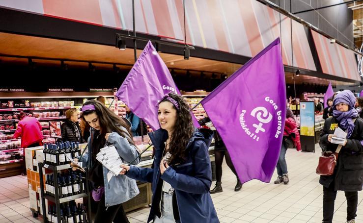 Manifestantes en comercios