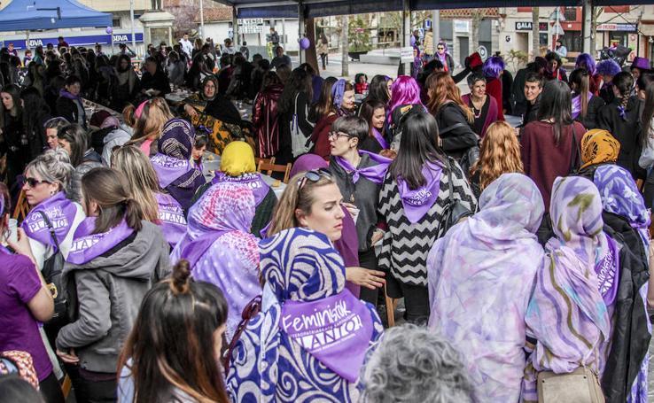 Comida feminista por el 8M en Amurrio