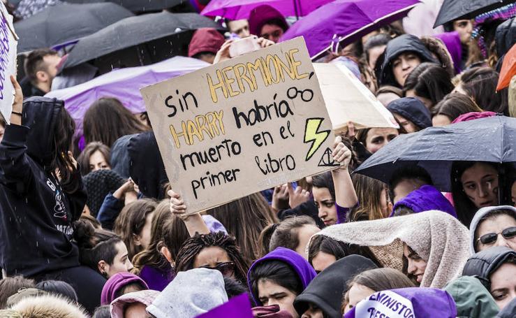 Mensajes originales de la huelga del 8M en Vitoria