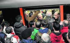El metro se satura en Bilbao por las manifestaciones y el partido del Athletic