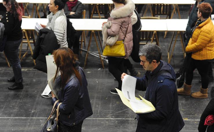 7.300 personas optan a entrar en la bolsa municipal de empleo de Bilbao
