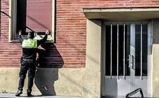 Vecinos alertan de un nuevo intento de 'okupación' en pisos de Aretxabaleta