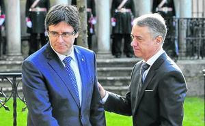 El PNV mantiene la incógnita de su alianza con Puigdemont pese al ataque al lehendakari