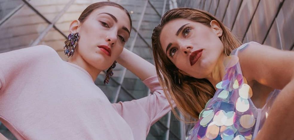 Dossis Designs, la moda que tiñe Durango de color y espíritu ochentero