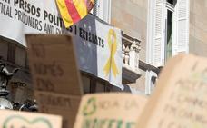 El PP denuncia a Torra ante la Fiscalía por no retirar los lazos amarillos