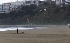 Mal tiempo este domingo en la playa de Ereaga