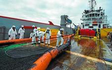 La mancha de fuel del mercante naufragado en La Rochelle no impactará en la costa vasca