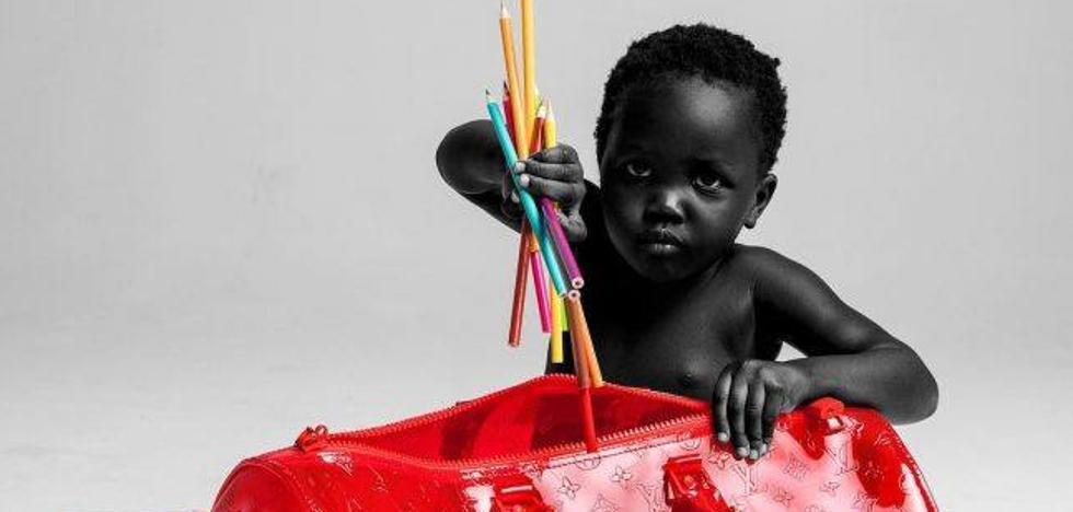 Dos niños de 3 y 2 años disparan la polémica al posar de modelos para Louis Vuitton