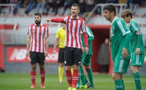 El Barakaldo se escapa, el Bilbao Athletic oposita y la Cultural se resiste