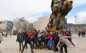 Día de museos en Bilbao en un puente pasado por agua