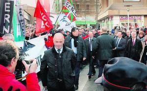 El Ejecutivo zanja con 300 euros de multa el escrache de ertzainas a Urkullu