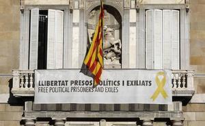 Torra desafía a la Junta Electoral y no descolgará el lazo del Palau de la Generalitat