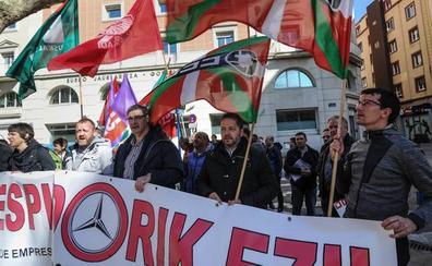 El comité de Mercedes llama a la movilización en protesta por los tres despidos «improcedentes»