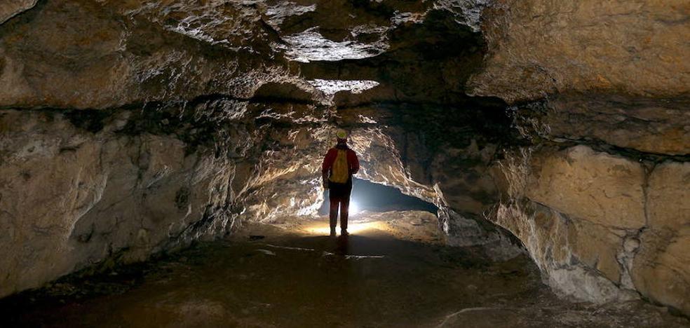 Ninguna de las 9 cuevas vizcaínas con arte rupestre es bien cultural