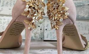 El emotivo mensaje que una madre dejó a su hija en los zapatos de su boda antes de morir