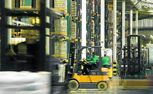 Los costes laborales de Euskadi superan en 1.000 euros a los de Extremadura