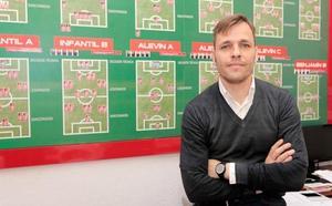 Sánchez Murias se estrenará como técnico del Sporting B en Lasesarre