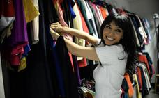 El armario de... África Baeta: «Comparto la ropa con mis hijas»