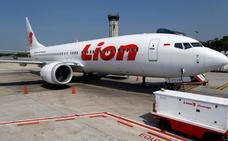 Los dos 737 siniestrados carecían de un sistema de seguridad que Boeing cobra como extra