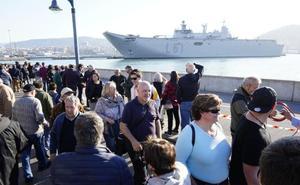 El 'Juan Carlos I' llega a Getxo para mostrar sus secretos hasta el domingo