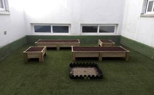 Abanto pone en marcha un proyecto de huertos urbanos en los colegios