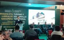 Pradales aboga en Ortuella por que «el sector turístico crezca de forma equilibrada» por toda Bizkaia