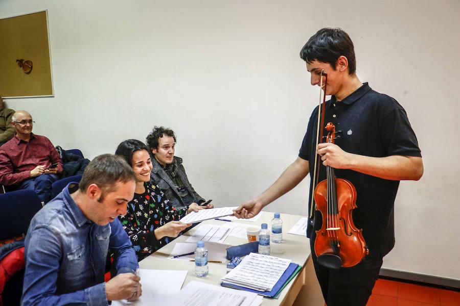 Las promesas de la música vasca pasan examen en Vitoria