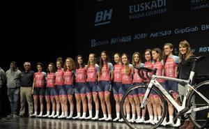 Las corredoras del Bizkaia-Durango volverán a participar en el Giro