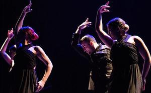 El baile y los coros rocieros mantienen joven el espíritu andaluz en Bizkaia