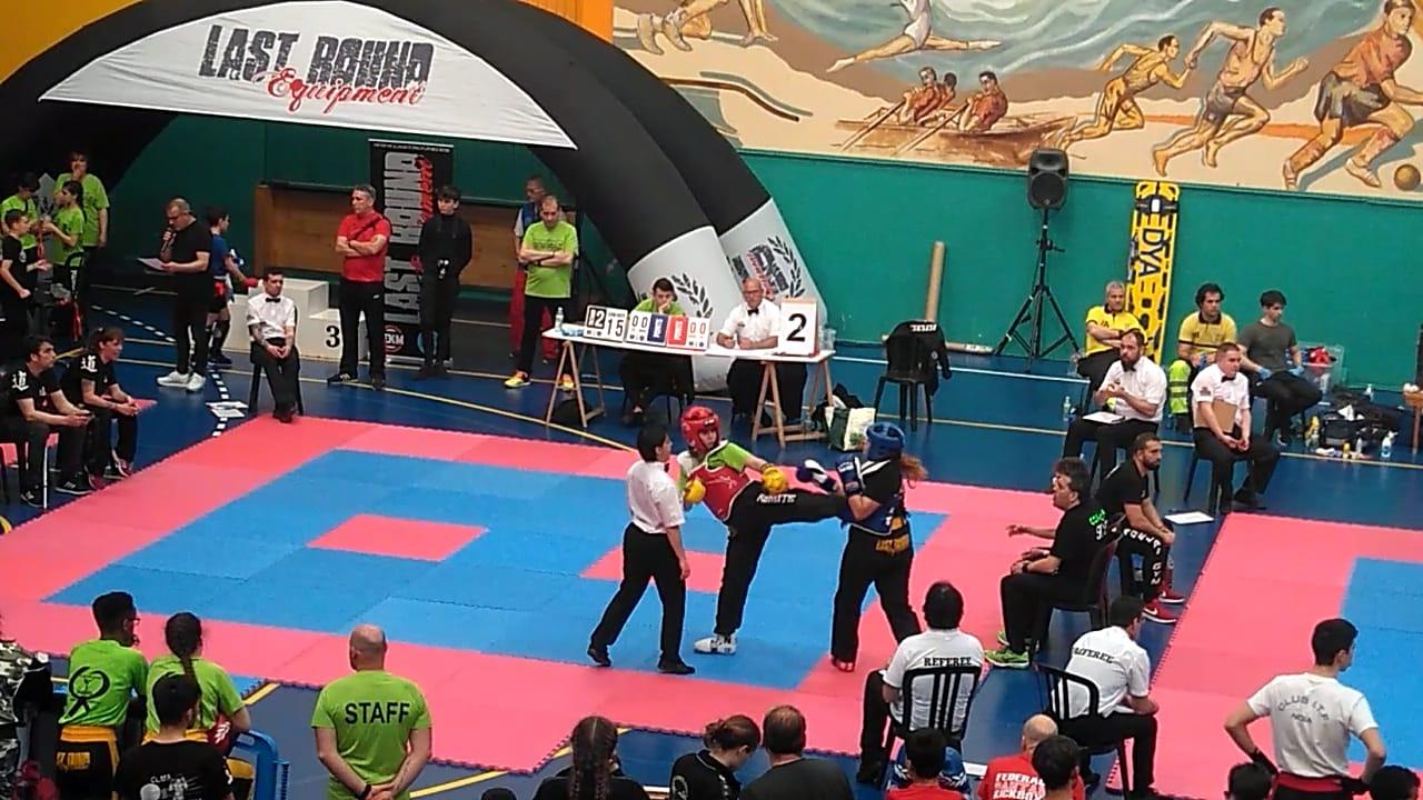 Ainara Lamelas: «El 'kick-boxing' es menos violento que el fútbol»