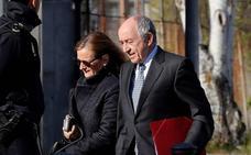 Fernández Ordóñez niega que presionara a Bankia para salir a Bolsa: «La iniciativa fue de la entidad»