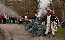Napoleón regresa de nuevo a su cita en el parque de Arriaga