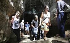 Las Juntas respaldan por unanimidad proteger las cuevas de arte rupestre