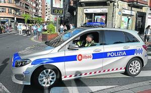 Denuncian retrasos en la instalación de desfibriladores en coches de la Policía Local