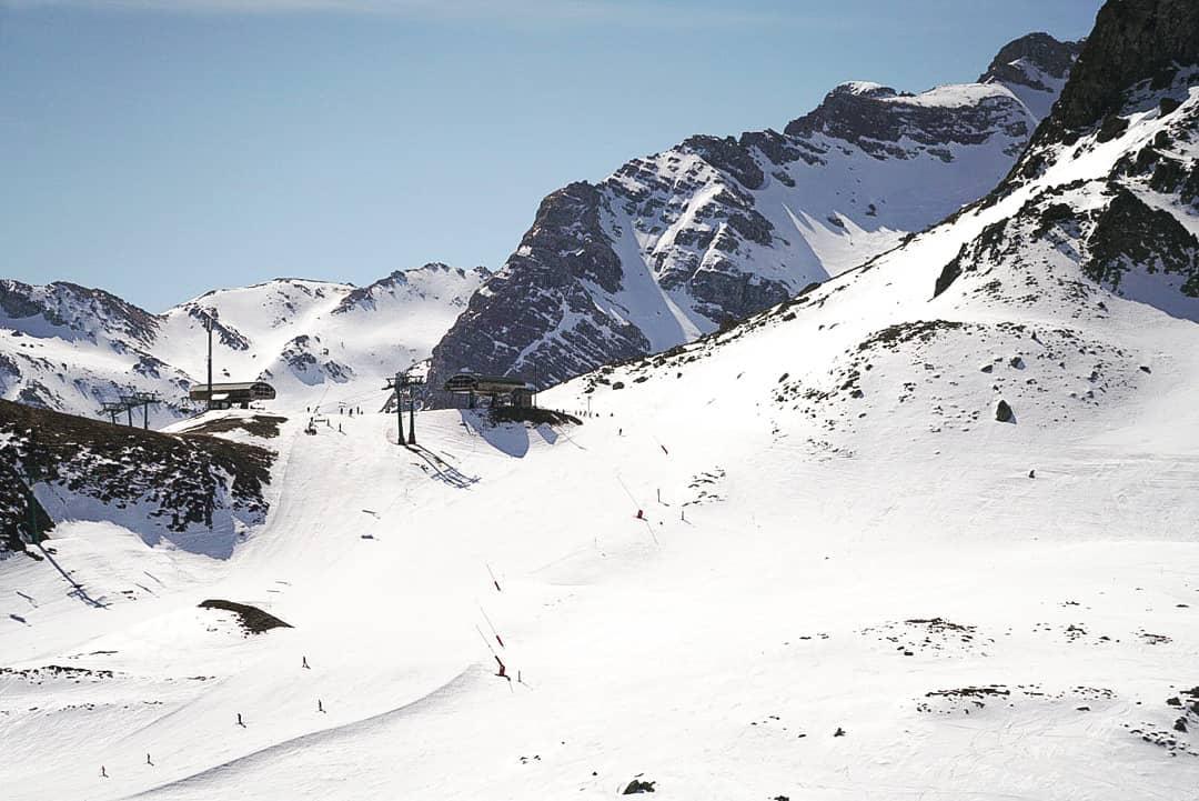 La primavera y Aramón Formigal-Panticosa son las mejores estaciones para aprender a esquiar