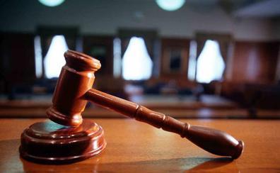 Condenan a pagar 49.687 euros a un operario que se accidentó en una zona con «espacio insuficiente»