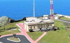 Salvamento Marítimo opera ya desde La Galea tras su marcha de la torre de Santurtzi