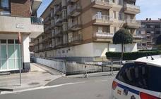 Localizan el cadáver carbonizado de una mujer de 57 años en el parking incendiado este sábado en Azkoitia