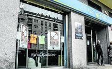 Álava ha perdido 150 sucursales bancarias en diez años y baja por primera vez de las 200