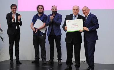 Álava Emprende premia la trayectoria de Josu Sánchez y la innovación de I+Med