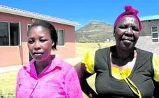 Sudáfrica aplaude a 'mamá leona': mató con un cuchillo a uno de los violadores de su hija