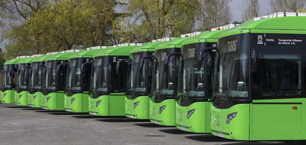 Vitoria ya cuenta con diez autobuses híbridos tras incorporar cinco nuevos vehículos a su flota