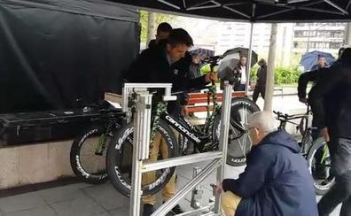 Cola en la Itzulia para medir las bicicletas