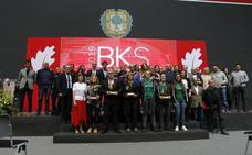 Bizkaia homenajea a sus equipos y deportistas de base