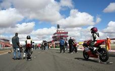 Muere arrollado un piloto durante una carrera de motos en Albacete