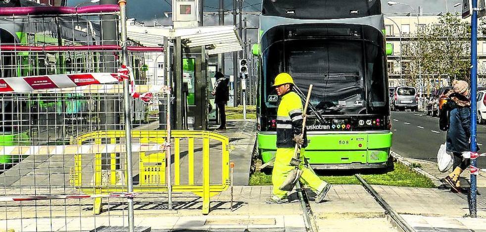 Arranca la ampliación de las paradas del tranvía para acoger convoyes 'extralargos'
