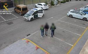 Dos detenidos por matar a un hombre que los reprendió por conducir a toda velocidad